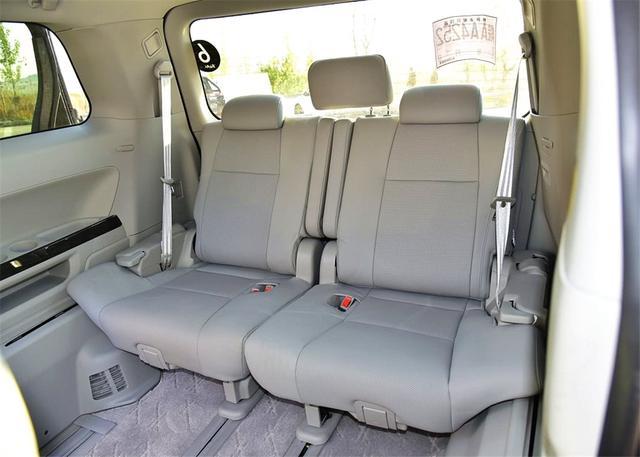 又一MPV要挑战GL8,4个座椅+侧滑门,一看价格,传祺GM8乐了