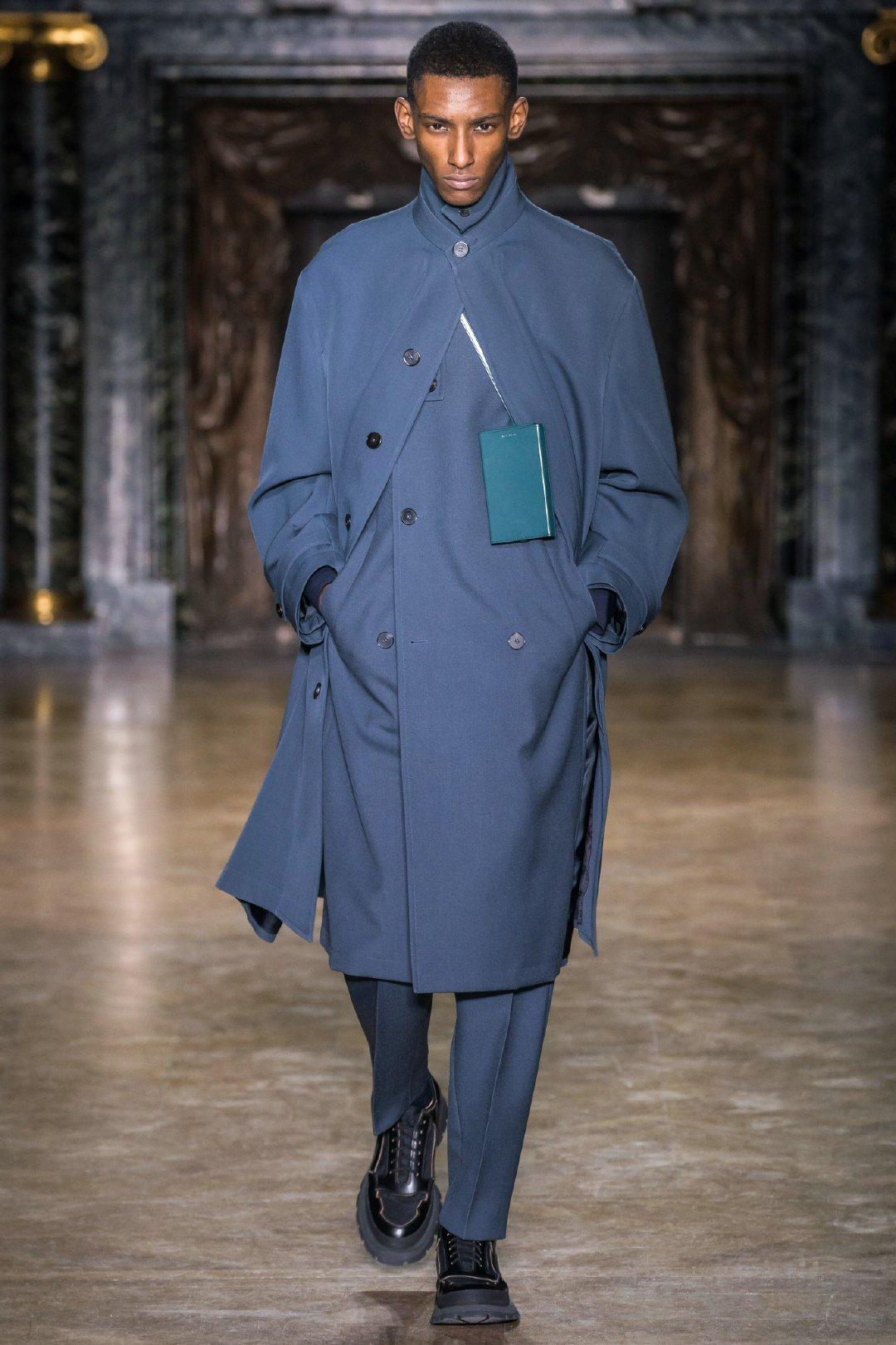 @JilSander吉尔桑徳 2019秋冬男装系列在延续经典的同时强调前瞻的自