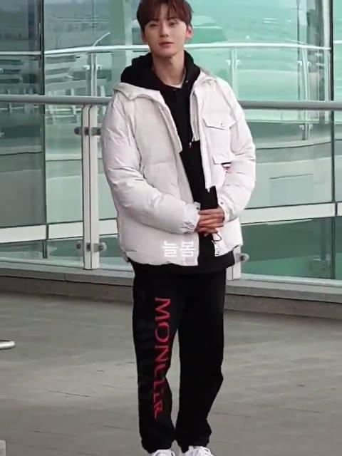 200217 仁川机场出境 饭拍视频一则Pulchritudo_mh