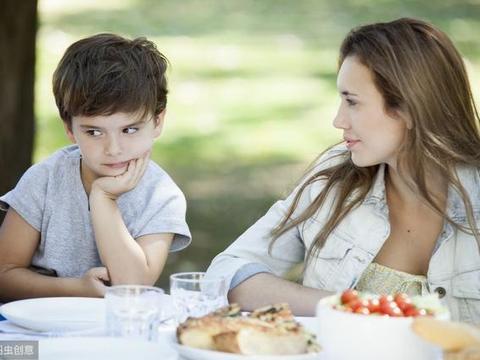 """专家提醒:孩子手上有2个隐藏""""开关"""",多按健脾养胃,很少生病"""