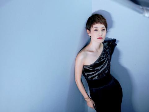 马伊琍一袭黑色礼服,惊艳全场,我的姐气场忒强大