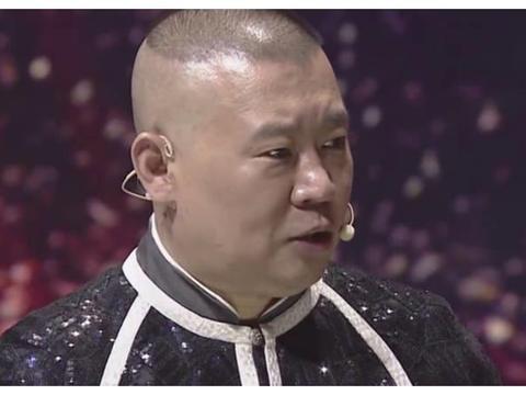 他多次被郭德纲打击淘汰,被李宏烨当作学生徒弟,现变身专业评审