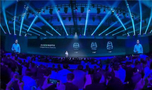 """从博郡""""牵手""""夏利,看中国汽车业的新趋势"""