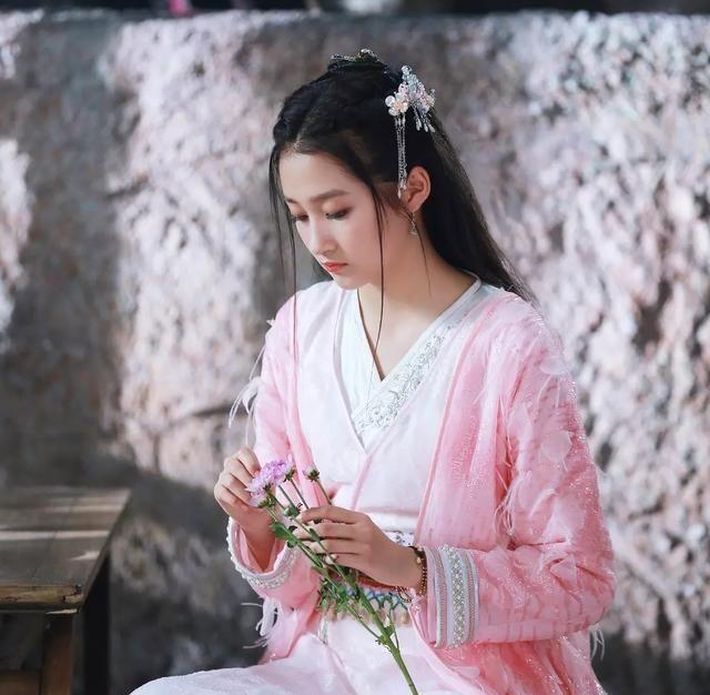 被关晓彤惊艳到了,《上新了·故宫》饰演十公主可爱极