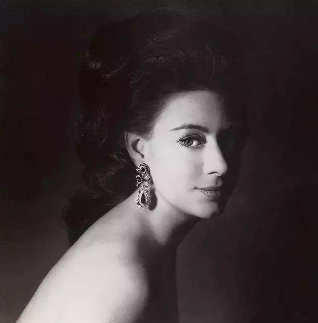 《罗马假日》里的安妮公主,其实是以现任英女王唯一的妹妹为原型的