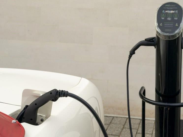经典不过时,阿斯顿马丁推DB6电动版,可手动更换动力系统!