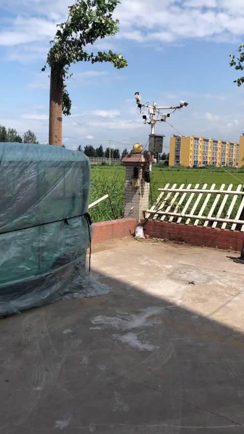 灾后第一天,受到龙卷风影响的营口市老边区情景洋房小区
