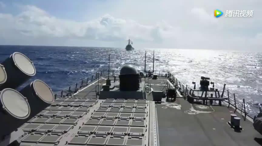 美军导弹驱逐舰各种武器发射以及战斧式巡航导弹的威力