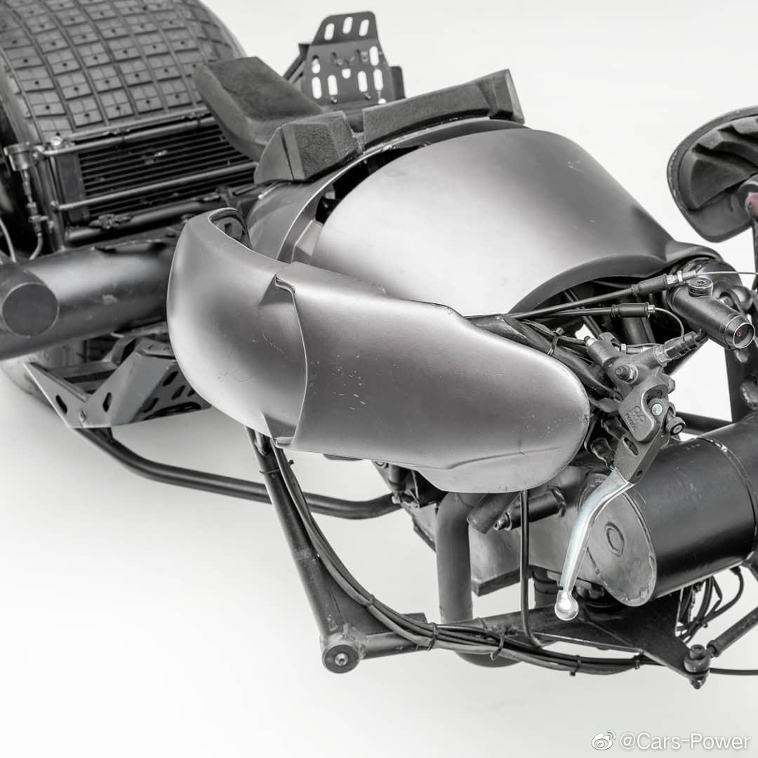 蝙蝠侠的摩托车现藏于洛杉矶彼得森汽车博物馆