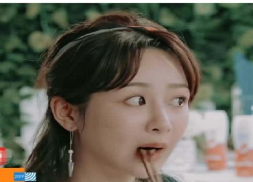 中餐厅:召开员工会议,杨紫吃肉被黄晓明指责,店长就能如此吗