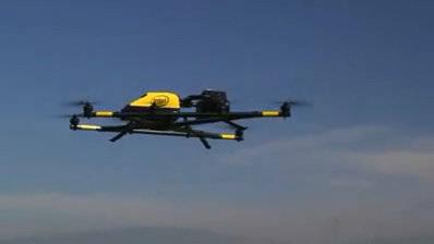 英特尔猎鹰8号无人机和人工智能技术结合助理救援,稳定,抗干扰
