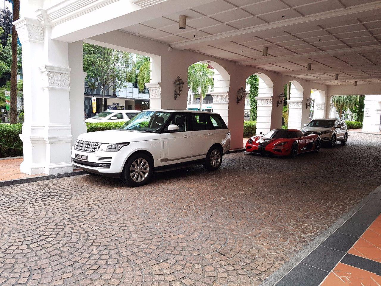 新加坡就1台的科尼赛克,车主是中国人,大家都喊他百亿发