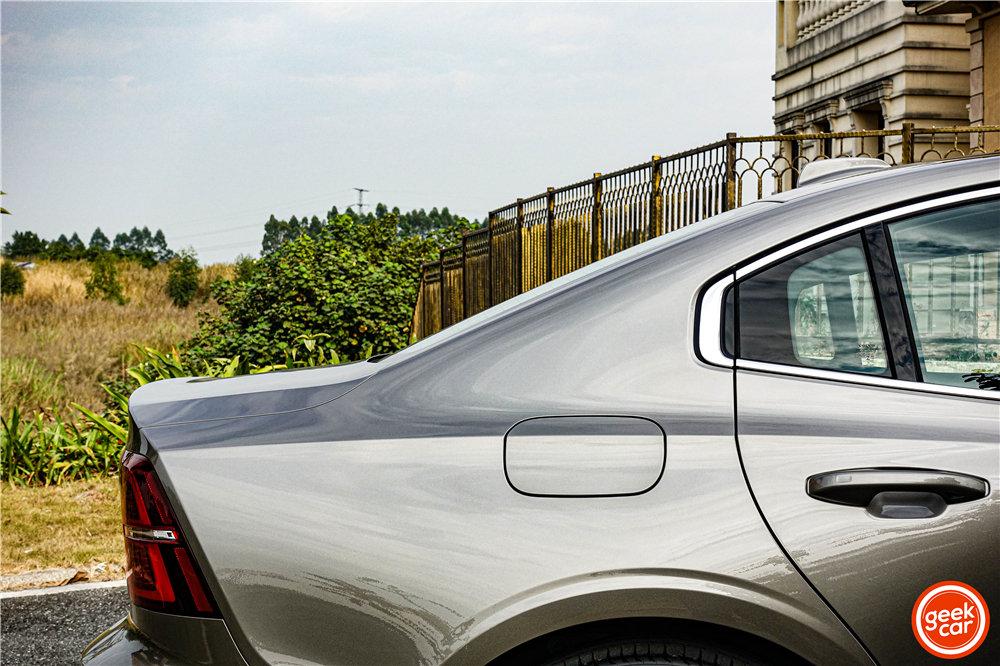 试驾全新沃尔沃 S60:一款让我「粉转铁粉」的车