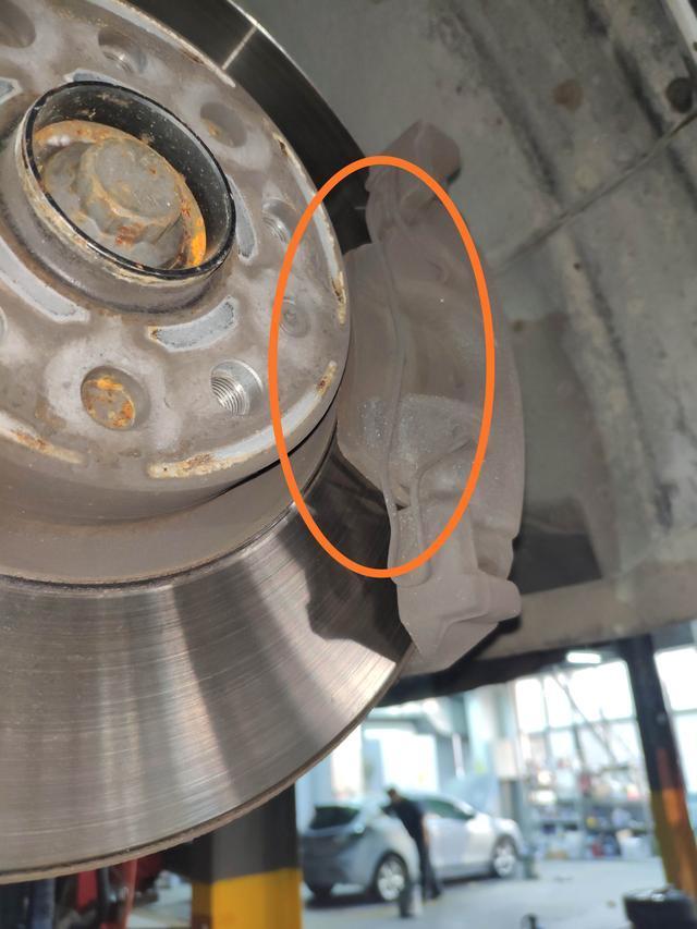 汽车制动性能好坏和刹车盘大小有关系吗?看看维修师傅怎么说