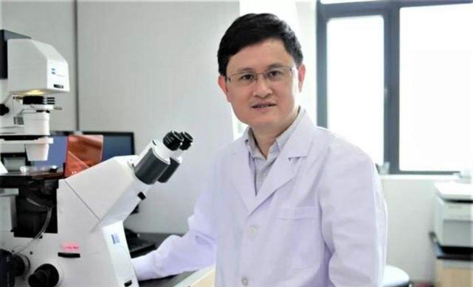 他是武汉大学副校长,与施一公、饶毅竞争院士
