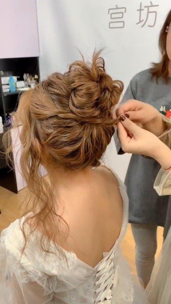 简单实用的新娘丸子头发型教学  :宫坊造型