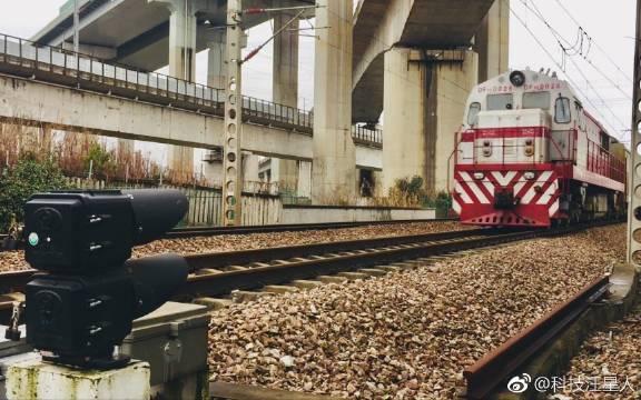 超近距离看动车组高速驶过!更有高速小八和恢复的新时速列车