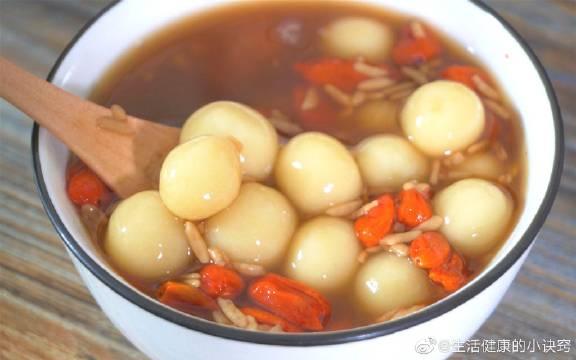 气血不足的女人,可以多喝这种汤,补气养血,驱寒暖胃,美容养颜