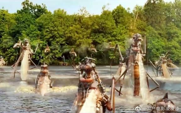 奇幻冒险喜剧《亚瑟和他的迷你王国》蚊子喝下神奇药水