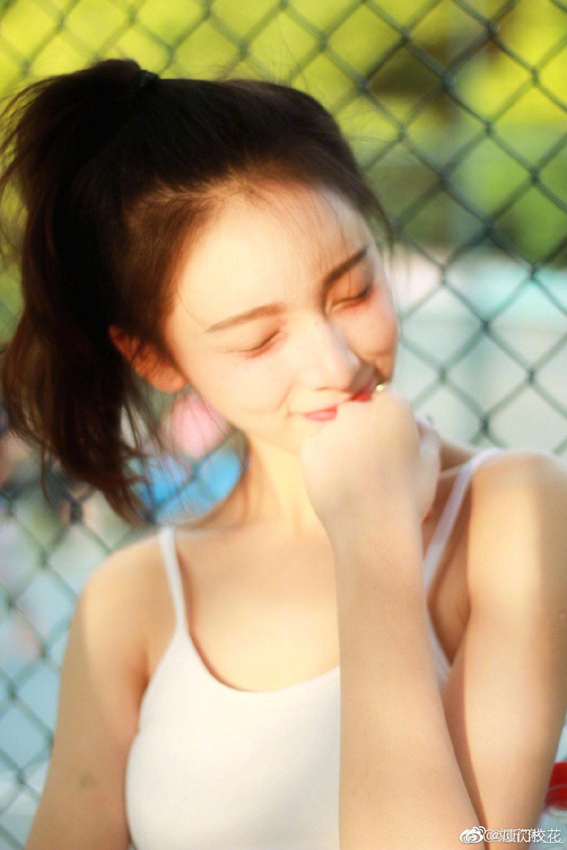 她叫刘欣然,就读于中央戏剧学院表演系,来自江苏,你觉得几分呢