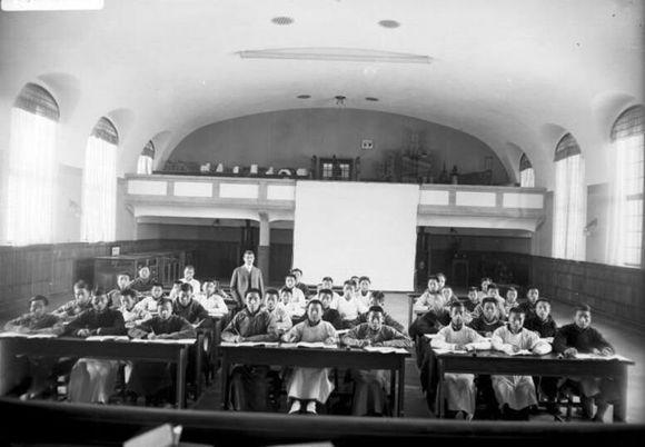 中国教育史上第一所中外政府合办大学:青岛德华大学