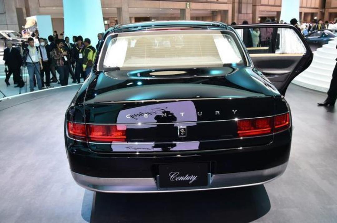 """丰田版""""劳斯莱斯""""亮相,售价在1960万日元,档次不输迈巴赫"""