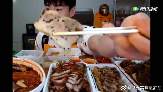 大胃王奔驰哥吃泡菜锅、猪蹄拌面!深渊巨口已上线!