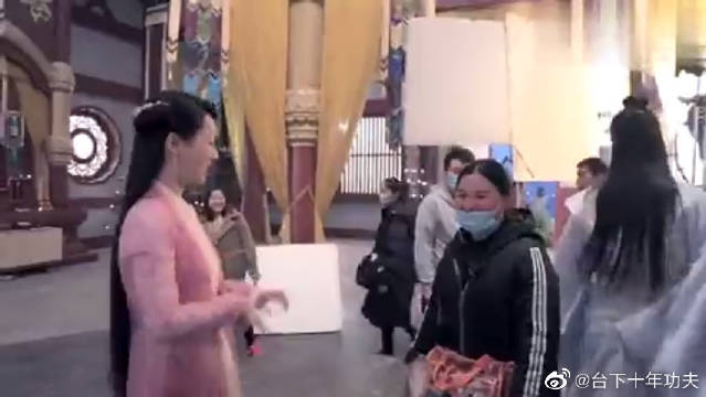 幕后花絮:杨紫、任嘉伦、茅子俊、李曼、刘学义的游戏时光