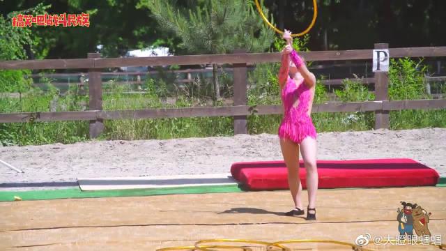 不要让体操女孩看到呼啦圈!这6个圈转的,把观众都看晕了