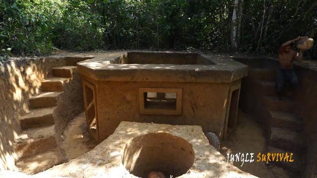 兄弟俩在丛林中打造神秘的寺庙小屋,并打了一口水井,厉害吧?