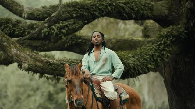 美国说唱歌手D Smoke新单《Black Habits》音乐录像带发布 -