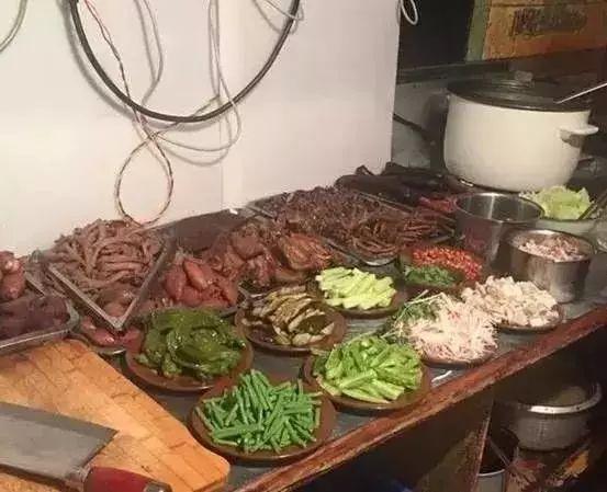 解放碑背后鲁重庆的这些老店美食,南京一火土著美食祖庙周围车站图片