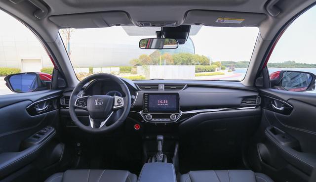 今天介绍一款8万元价位家用好车,这款车就是三剑客之一本田凌派
