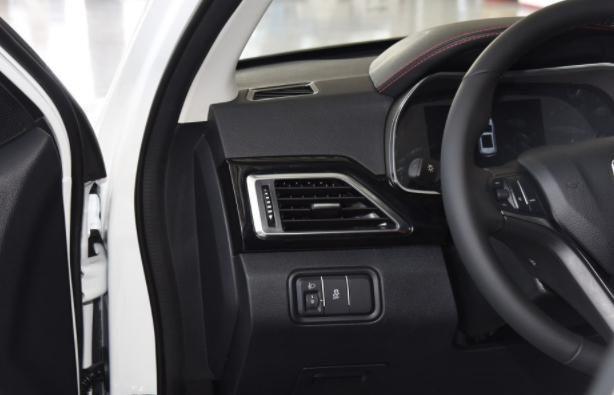 众泰大迈X5,加速和刹车都是亮点,好开实用是关键