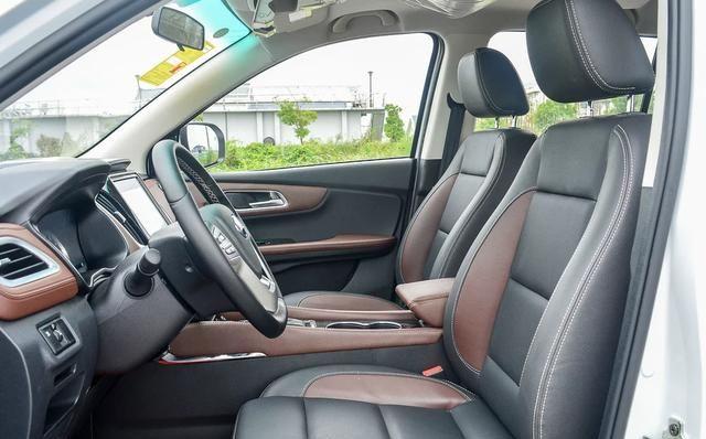 SWM斯威X7造型炫酷的外观,内饰温馨舒适,开在街上回头率超高