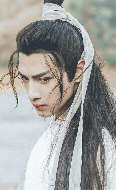 钟爱龙须刘海,那两绺头发真的是撩动人的心弦