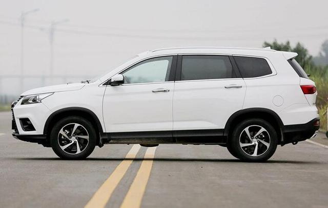 十分良心的国产中型SUV,起步价不足八万,老百姓的第一选择!