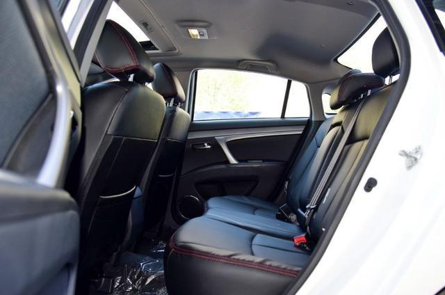 海马M6:造型设计华美雅致,适合年轻人驾驶