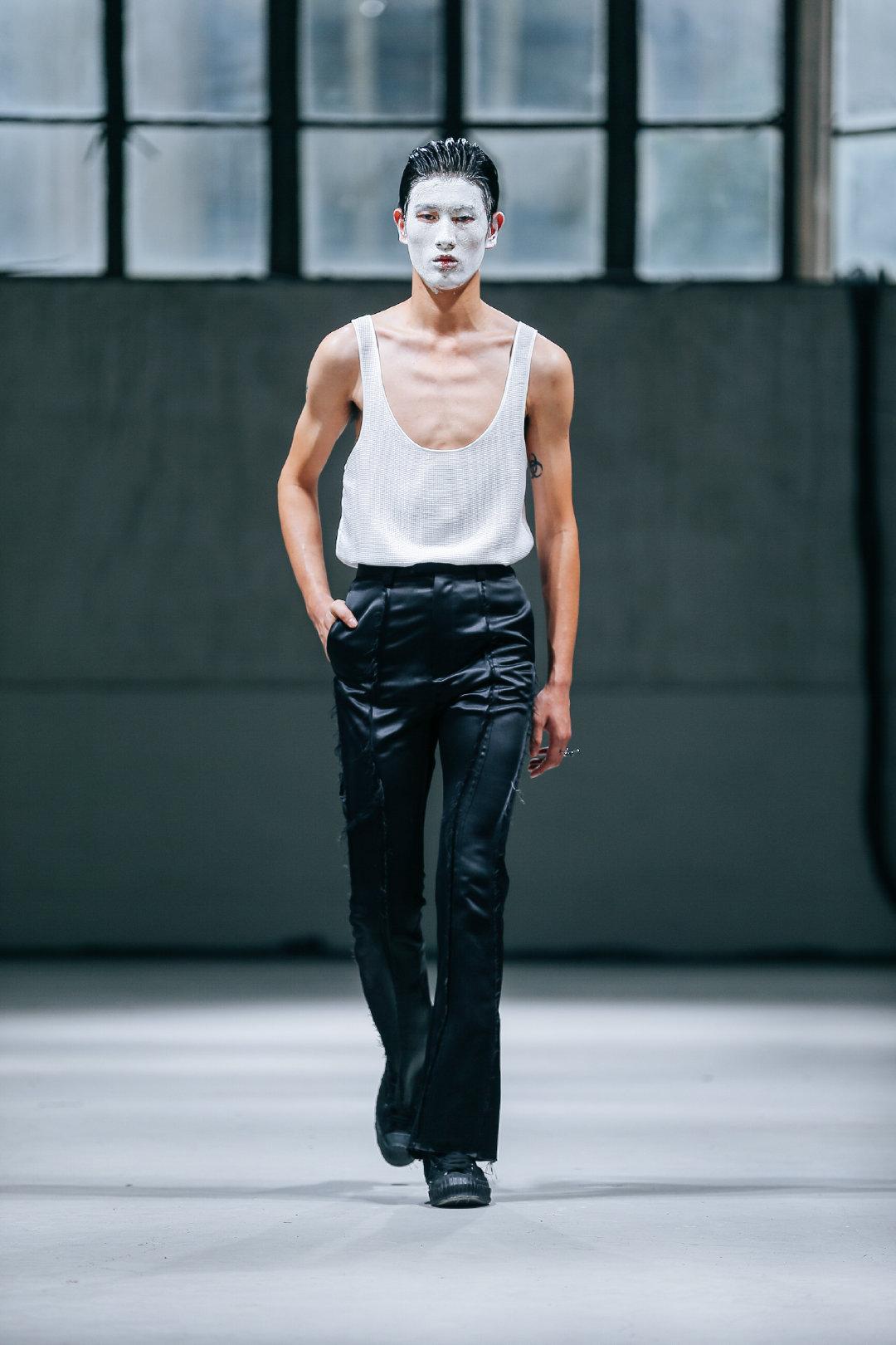 男装品牌DANSHAN于上海时装周为LABELHOOD 2020春夏揭开序幕