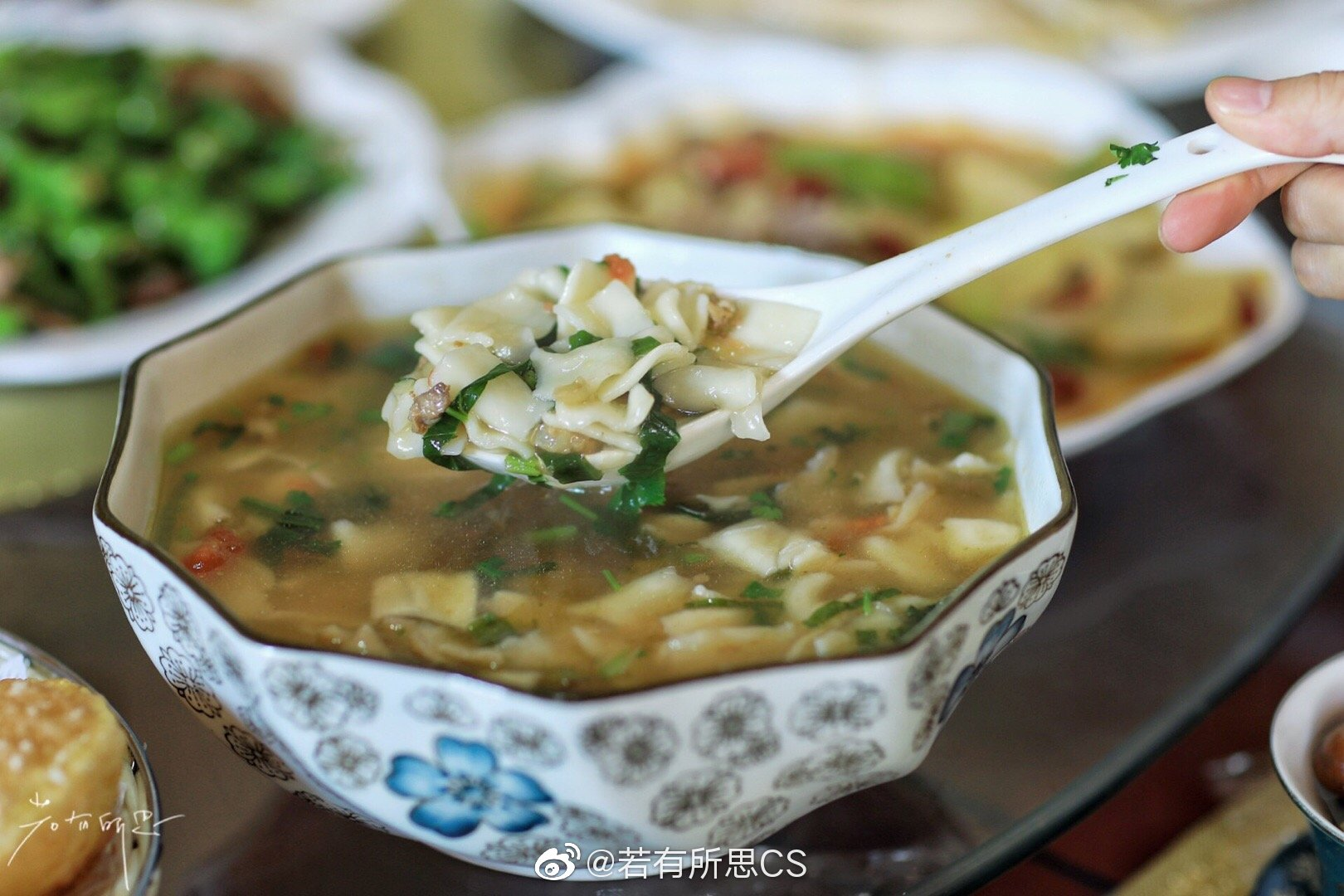 青海海东市循化撒拉族自治县,伊拉斯农家院,一桌撒拉家宴
