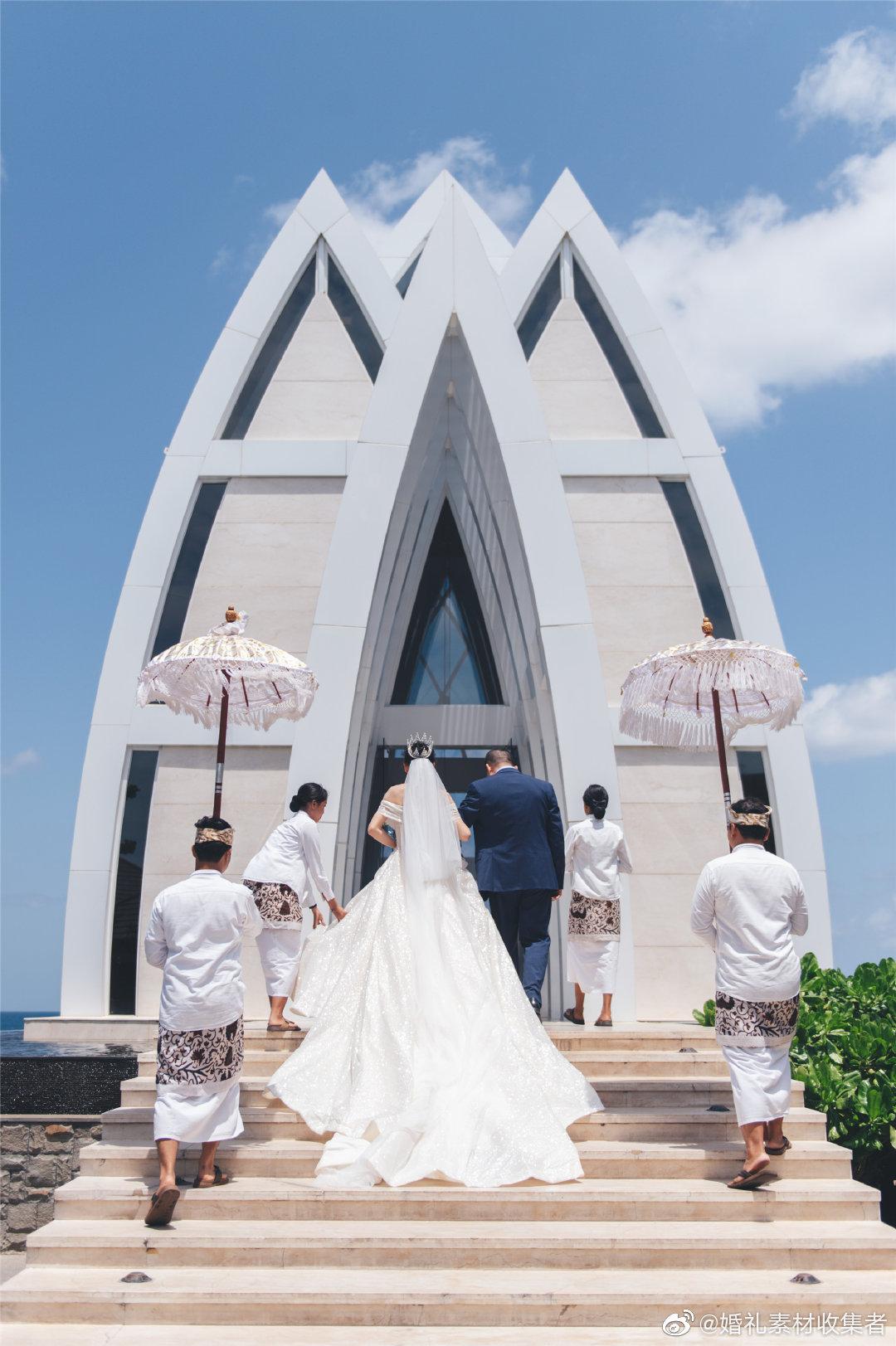 巴厘岛丽思卡尔顿教堂婚礼见过春风十里品过夏花绚烂走过秋光涟漪
