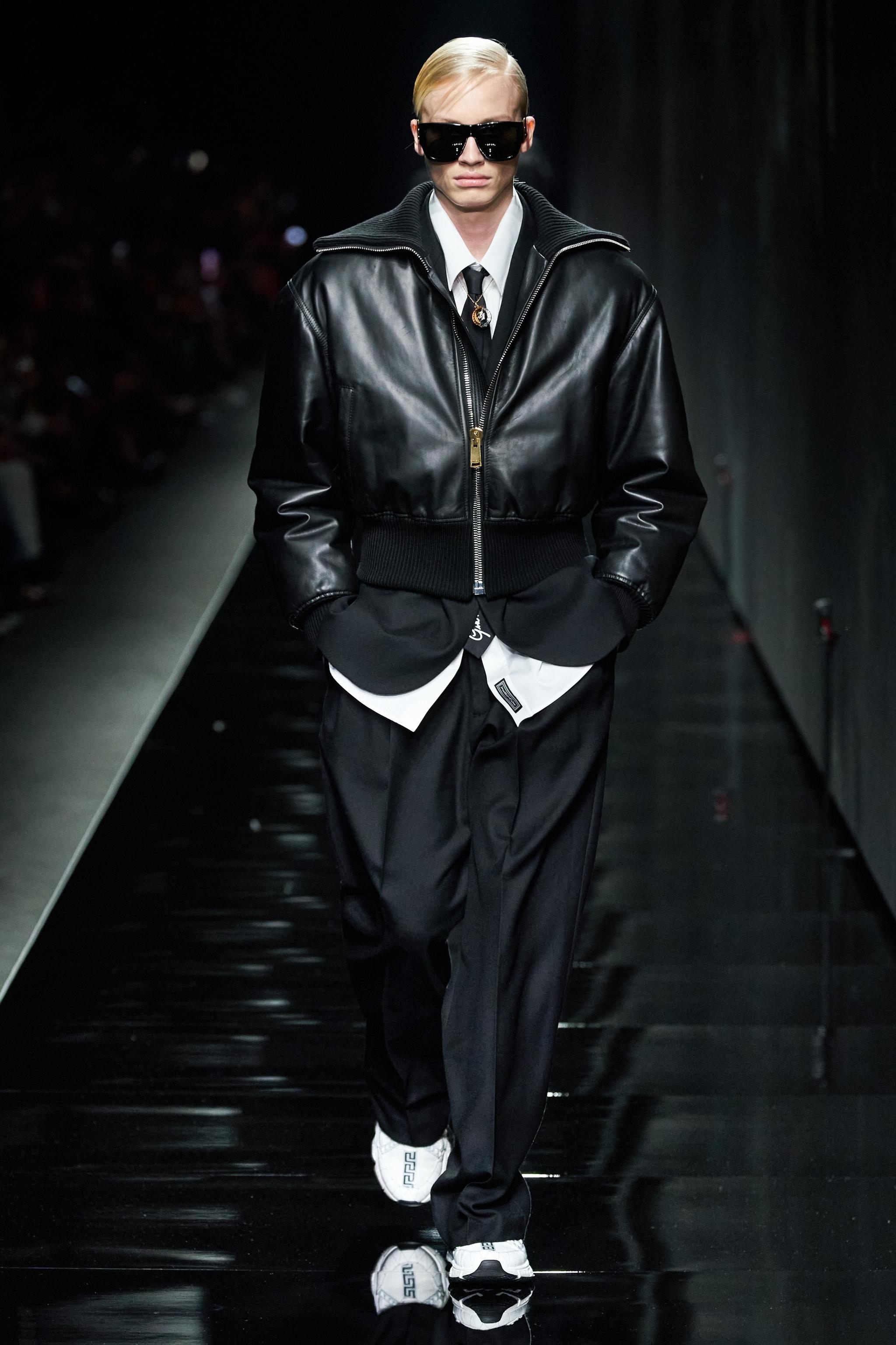 @Versace范思哲官方微博 2020秋冬系列男装