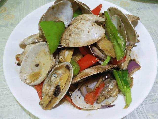 辣椒炒豉椒花甲,青红动物洋葱,鸡头鲜美无比家常味道的鸭掌图片