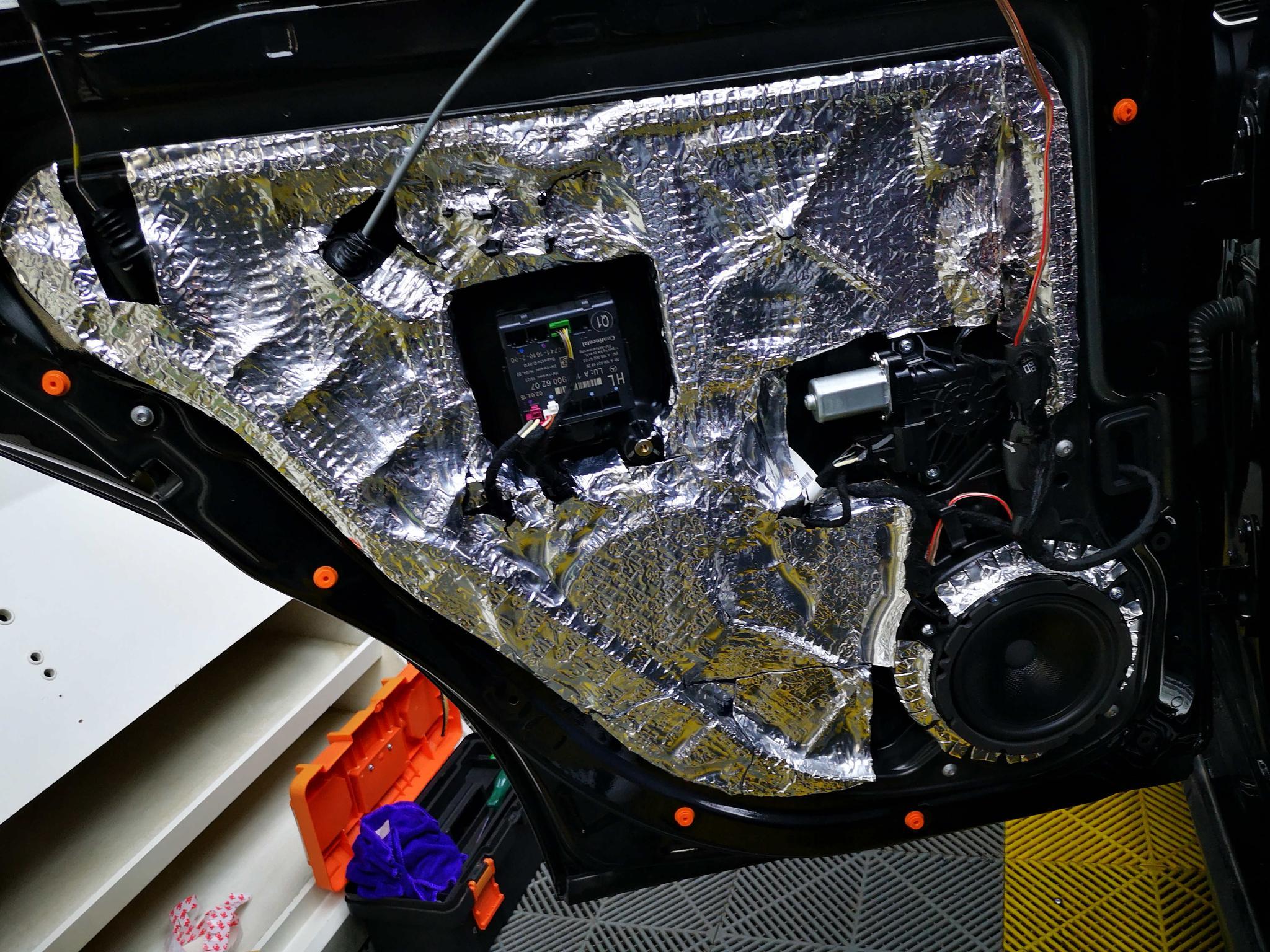 豪车该有怎样的好音响?就是奔驰ML400搭配德国RS能量这样的