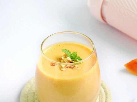 木瓜酸奶昔,口感细腻顺滑,比外面卖的饮品好喝多了