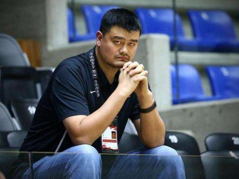 这就是中美篮球的差距!中国大学生联赛一直鸡肋,选秀就是闹着玩