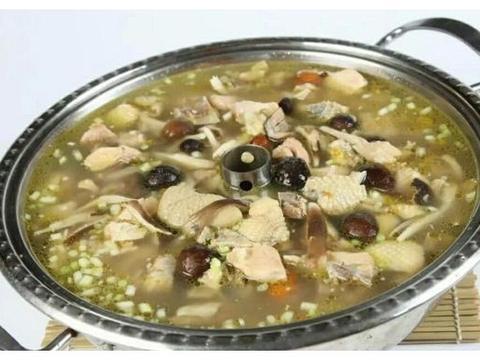 家常菜:砂锅炖羊肉,竹荪炖鸡,蛋黄酱焗扇贝,香草酱一口蘑