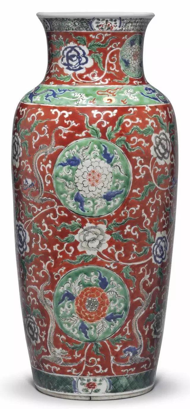 既有中国特色又符合西方审美的明末清初外销瓷1、清雍正粉彩花蝶纹
