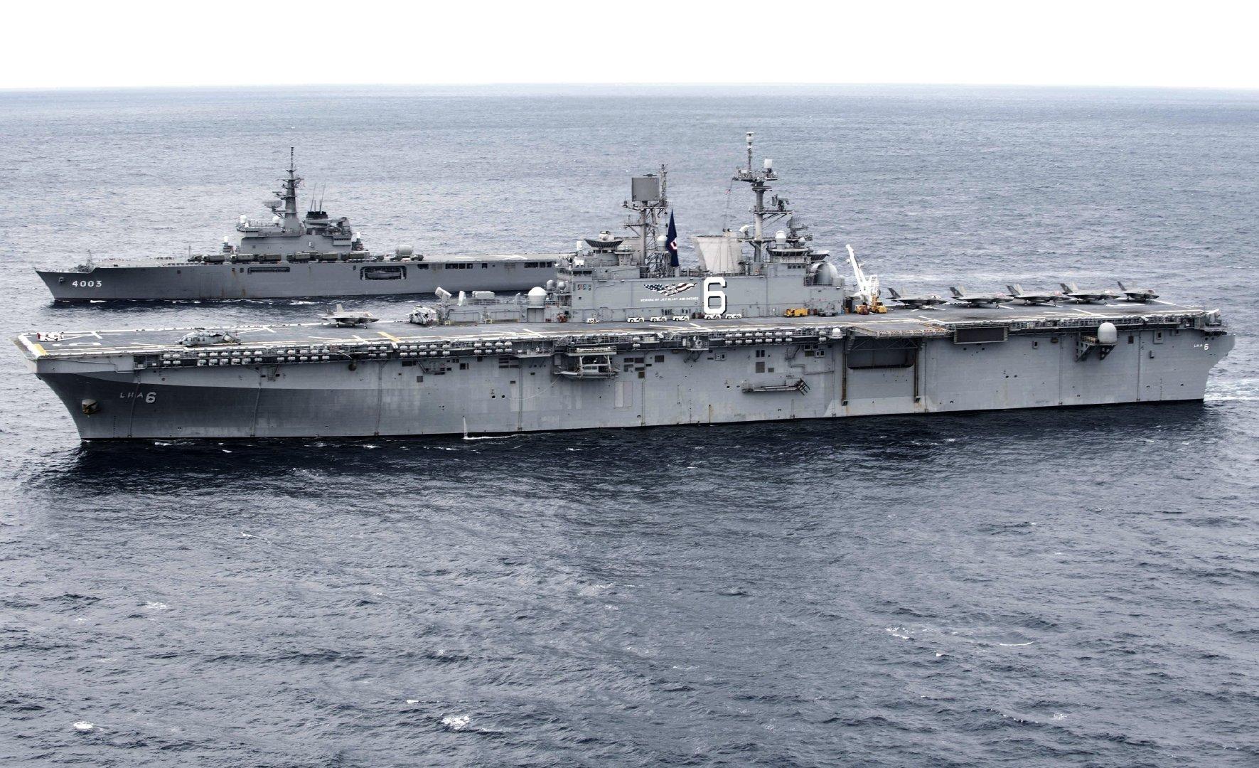 美国号和海自大隅级国东号,东海联合演习,1月13日。