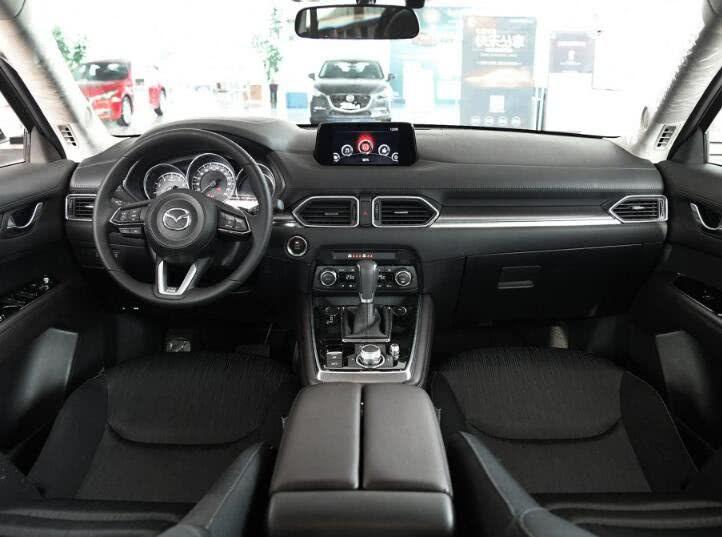 """七座SUV""""马自达CX-8"""",高颜值低油耗,深受年轻人的欢迎"""